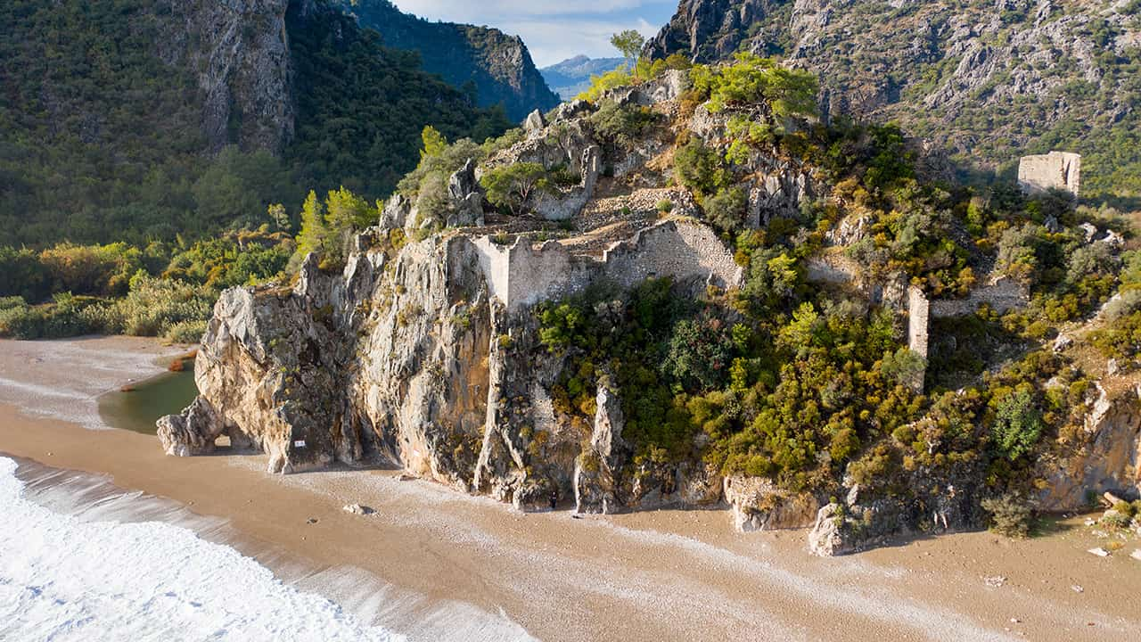 Olympos ve deniz kenarındaki muhteşem konumu
